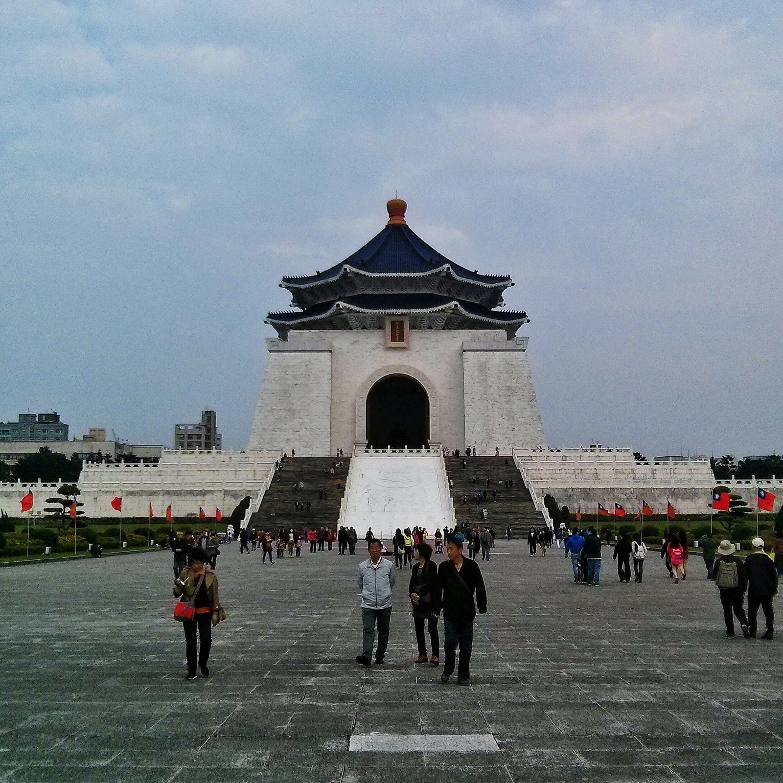 Visitors at Chiang Kai Shek Memorial Hall in the winter