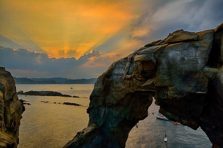 Sunset at Shen'Ao Elephant Trunk Rock