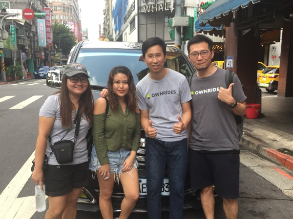 Happy OWNRIDES customers with the founders of OWNRIDES